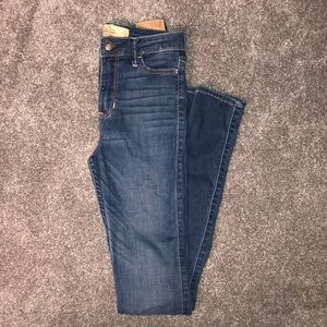 Hollister Skinny High-Rise Jeans